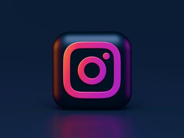 Instagram Logo - Key Principles of Logo Design - Simplicity at its finest - Photo by Alexander Shatov on Unsplash